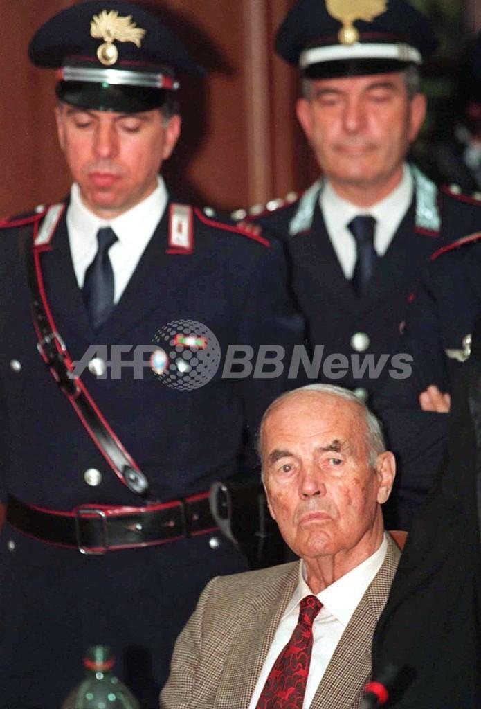 ナチス戦犯プリーブケ受刑者、ローマで死去 100歳