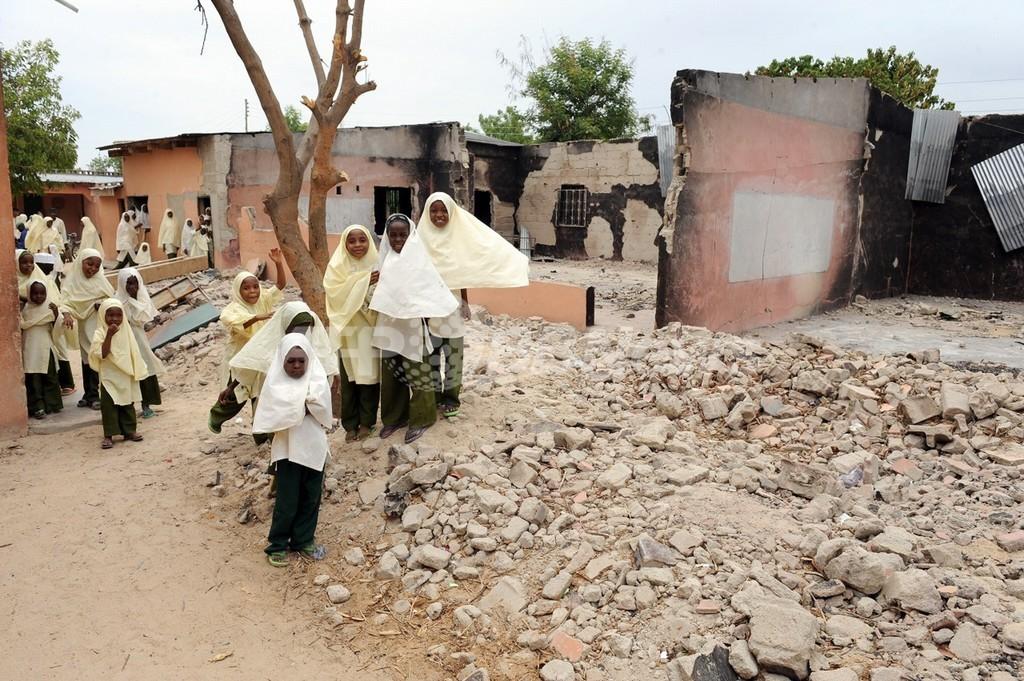 学校襲撃で生徒ら42人死亡、全中等教育校に休校命令 ナイジェリア・ヨベ州