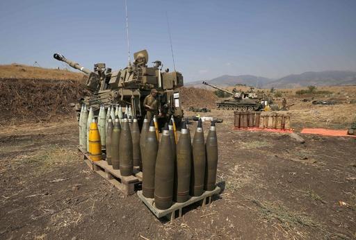 イスラエル軍、レバノンに砲撃 ミサイル発射受け反撃