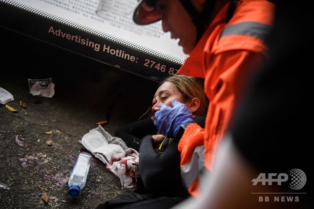 香港デモで空港閉鎖 中国政府、怒り募らせる
