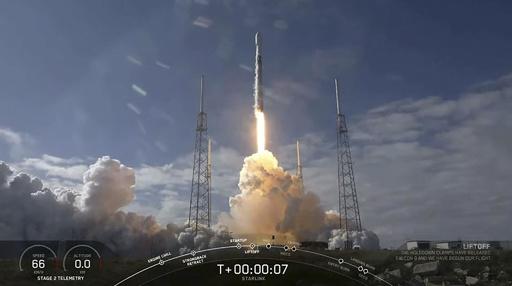 スペースX、衛星打ち上げ成功するも再利用ロケット洋上着陸は失敗