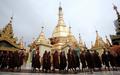 ミャンマー僧侶デモに、スーチーさんが姿を見せる