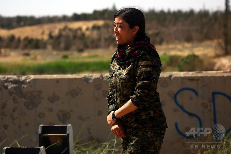 米支援の武装組織、初夏にIS「首都」へ最終攻勢へ シリア