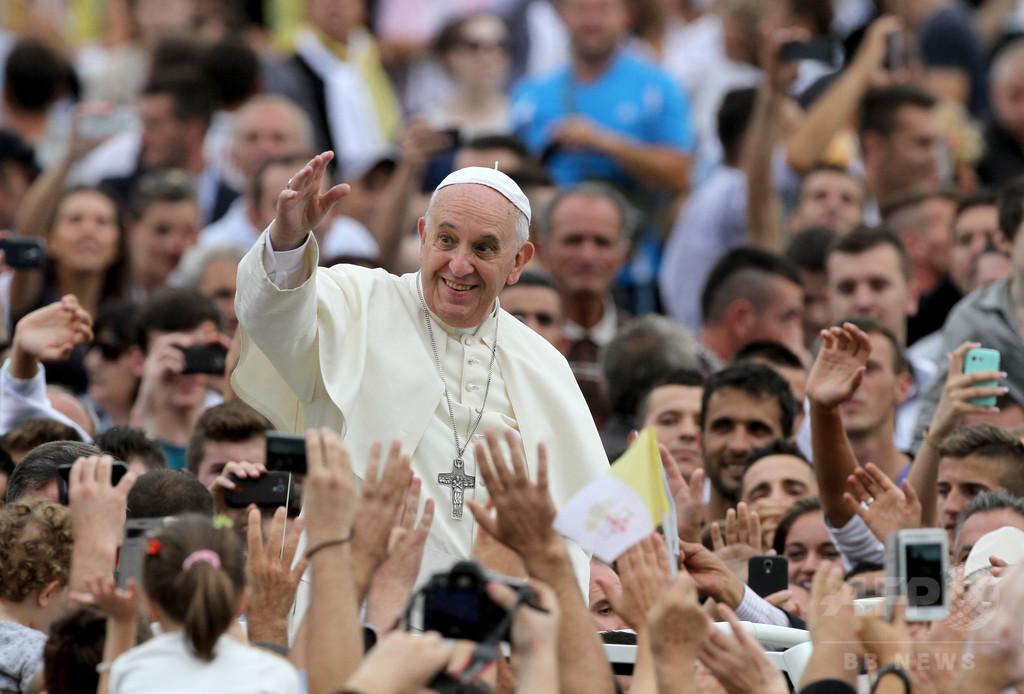 マザー・テレサ「上司だったら怖かった」、ローマ法王が冗談