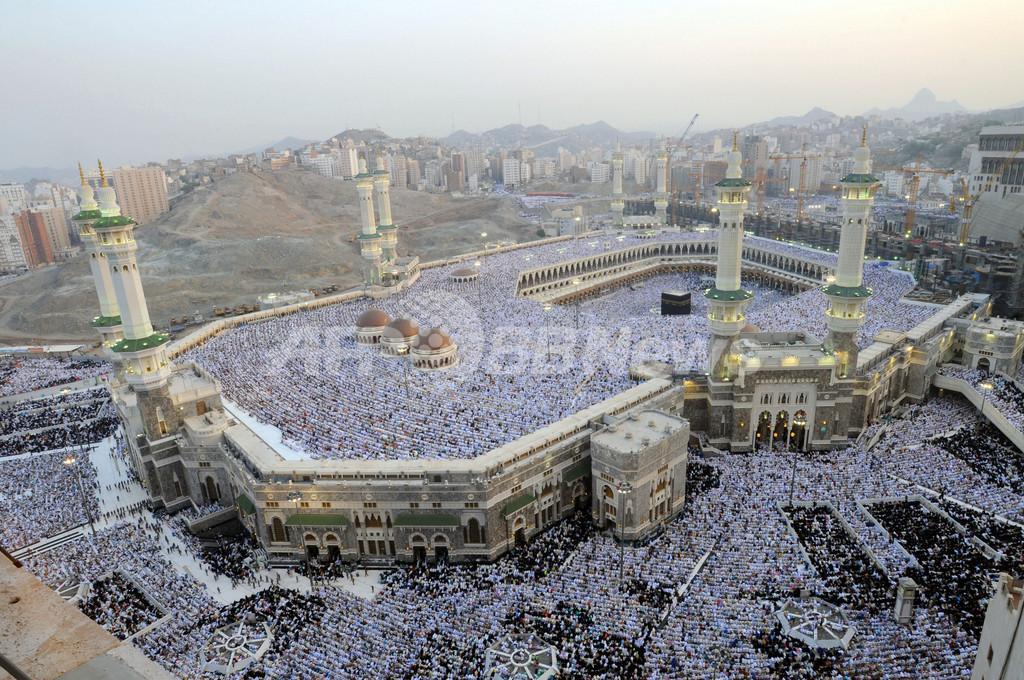 イスラム諸国で断食月ラマダン明けの祭り