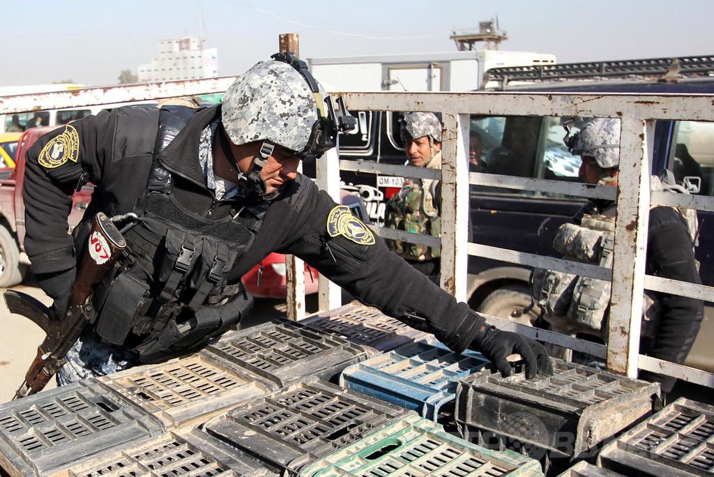 イラク警察官、巡礼者救おうと自爆犯に抱き付き殉職