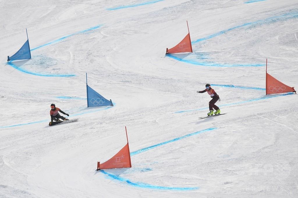 あわや惨事、大回転のスノーボーダーがリスとの衝突を回避
