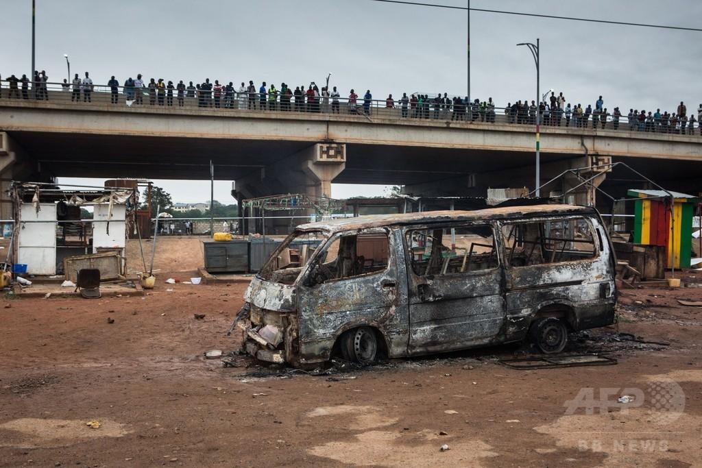 タンクローリー火災で2つの給油所巻き込む大爆発、7人死亡 ガーナ
