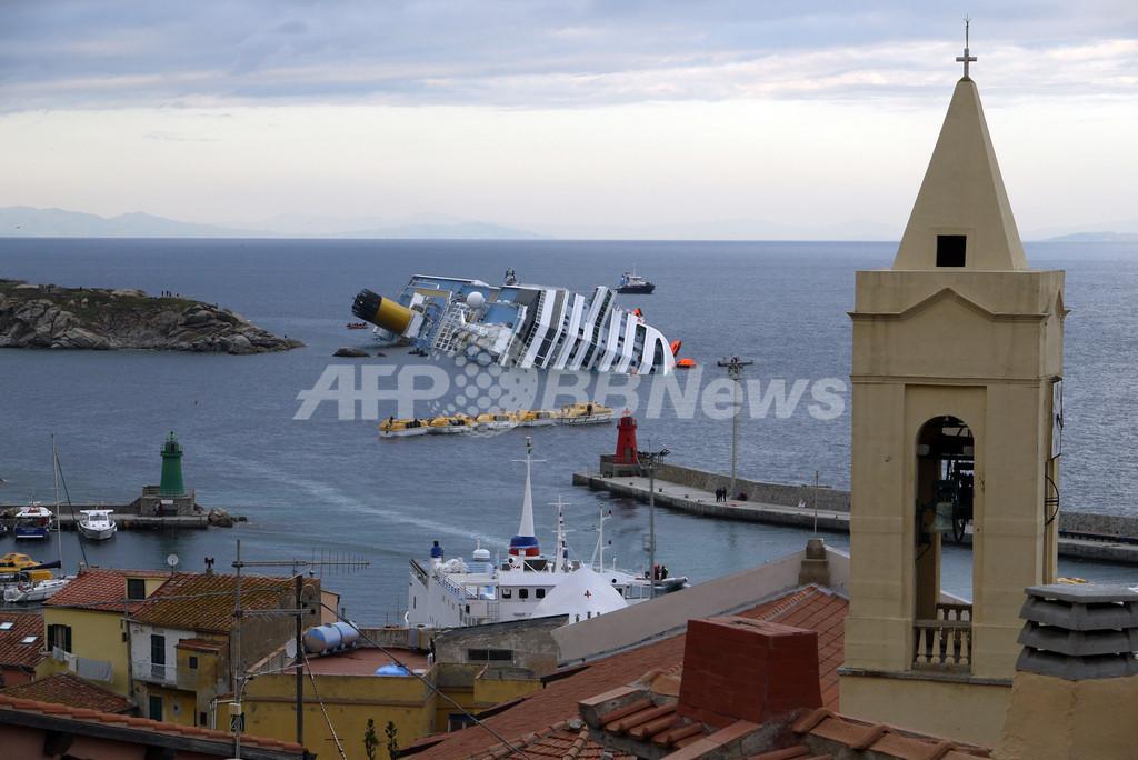 伊客船の座礁事故、環境への「時限爆弾」 燃料漏れ懸念も
