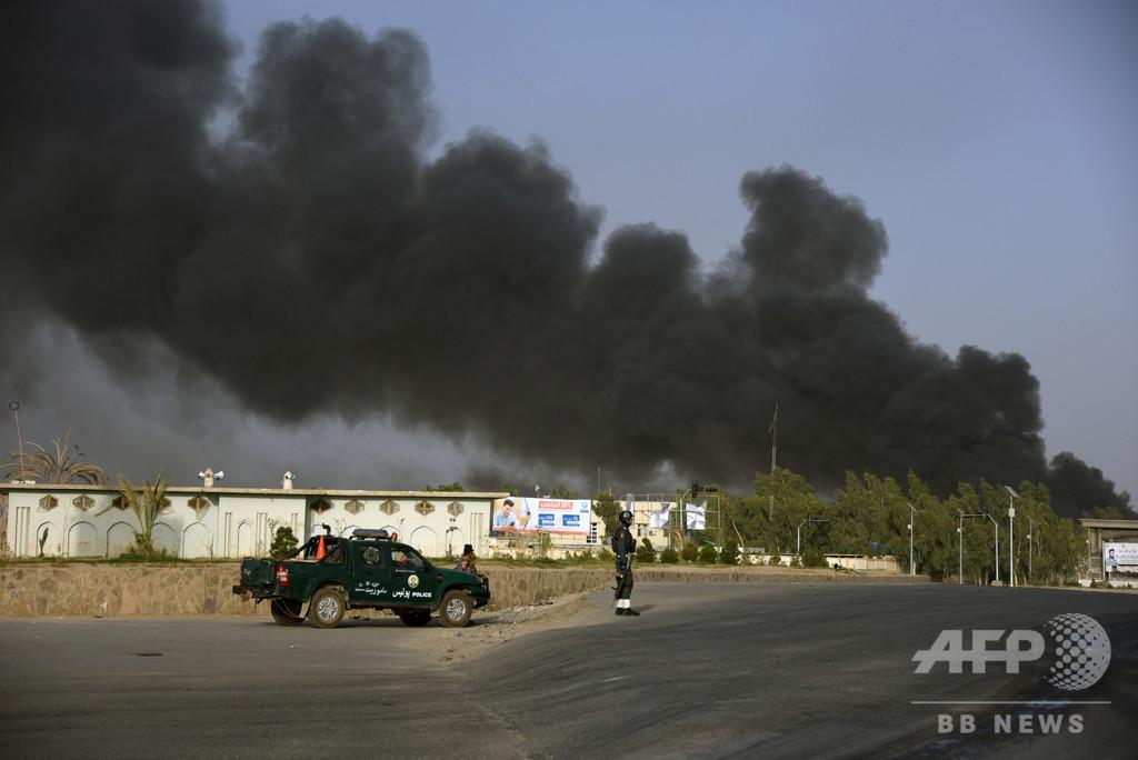 タリバンが警察本部を襲撃、11人死亡 アフガン
