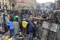 キエフで散発的な衝突、緊迫した状態続く