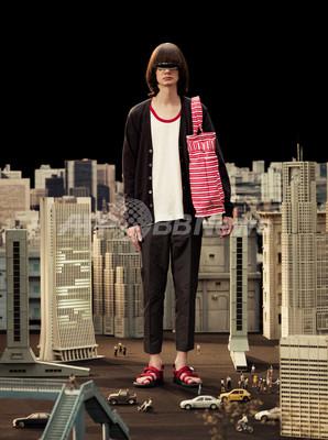 アンダーカバーイズム、11年春夏コレクションを発表