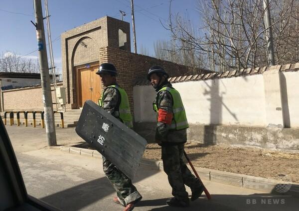 「不穏分子」を毎日訪問、中国・新疆ウイグル自治区でさらなる弾圧