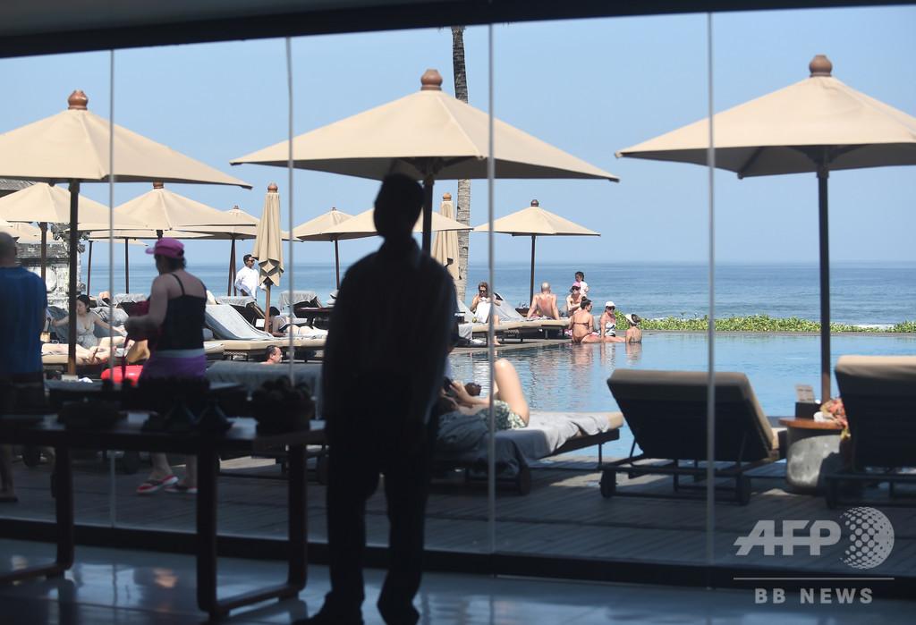 人気DJアダムスキー、バリで休暇中に事故死