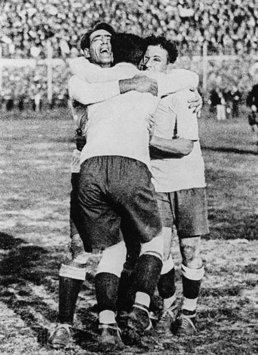 ウルグアイ初代王者に―1930年W杯ウルグアイ大会
