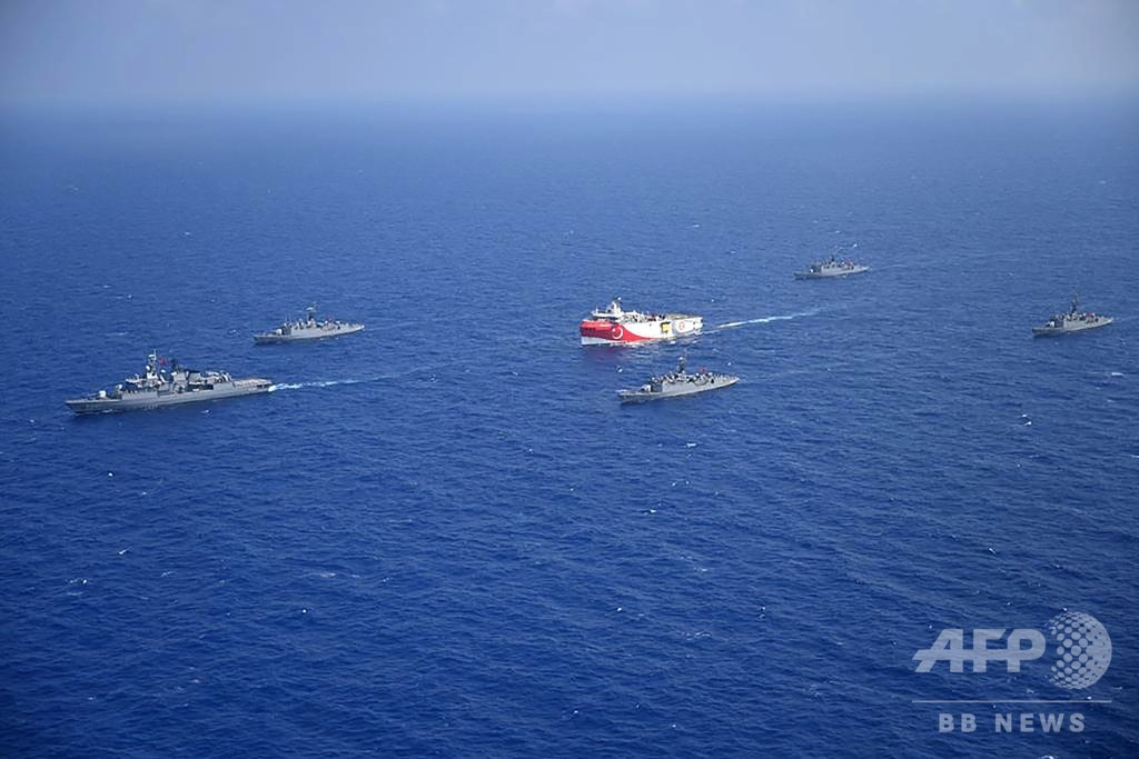 トルコが地中海でエネルギー探査、ギリシャが軍艦同士の「事故」警告