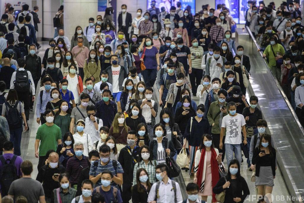 香港でコロナ流行「第4波」、厳格な規制を再導入へ
