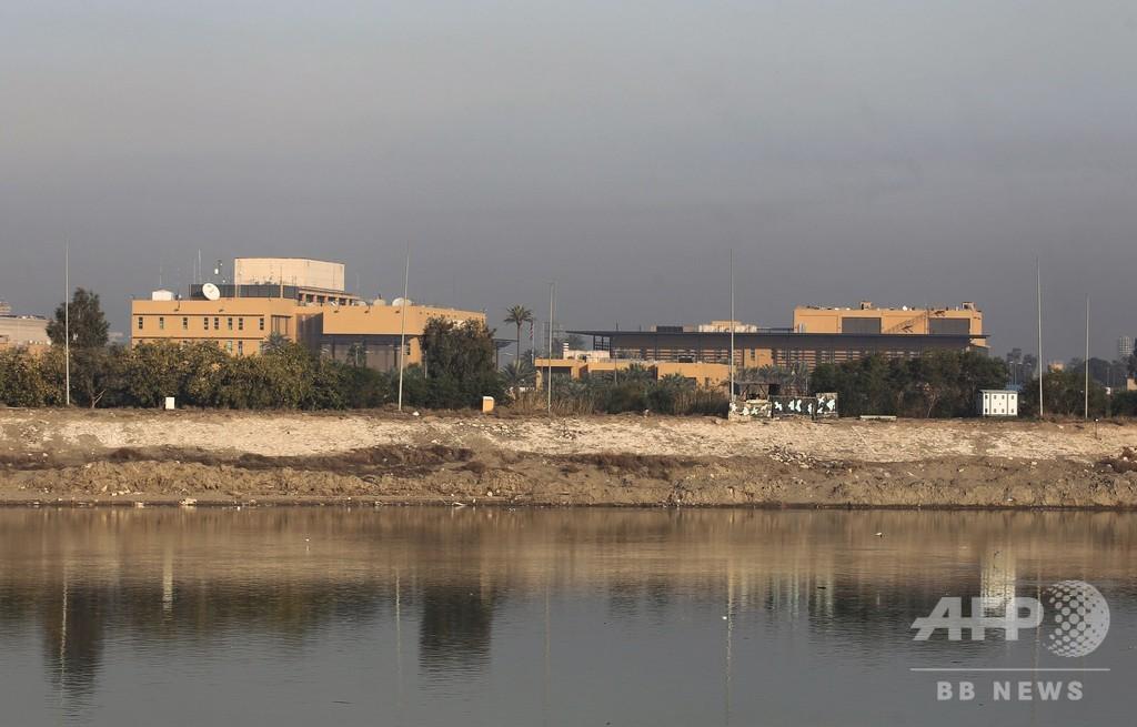 イラク首都の米大使館近くにロケット弾2発、民家にも1発着弾し4人負傷