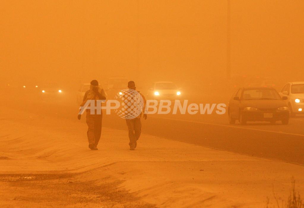 クウェート市内で激しい砂嵐