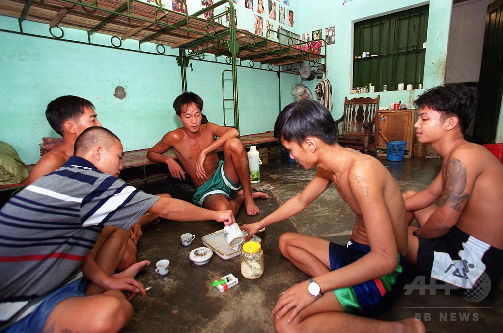 薬物依存者450人が脱走 ベトナム治療施設