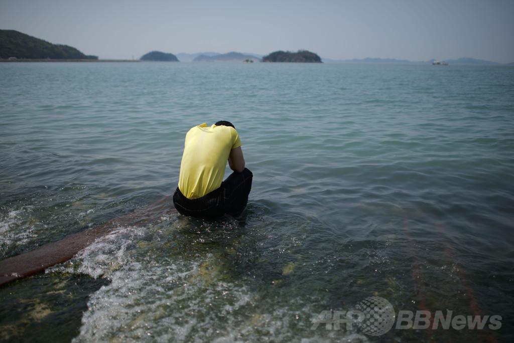 生徒が撮影した沈没前の韓国船内、14分で楽観的なムードが一転