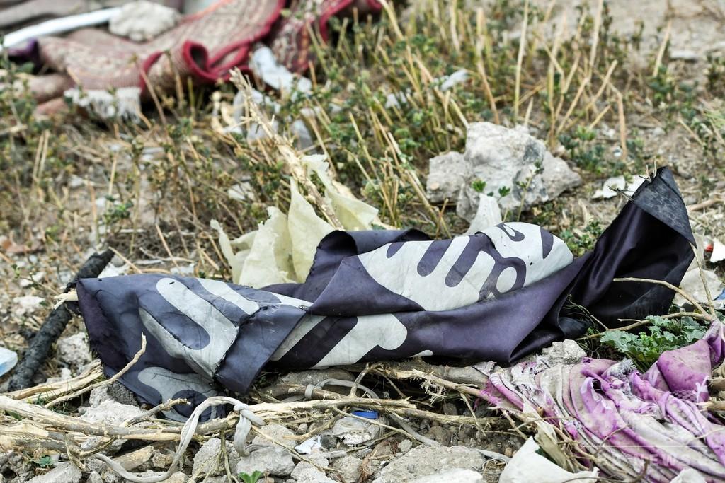 シリア政府側とISが戦闘、ロシア軍が航空支援 51人死亡