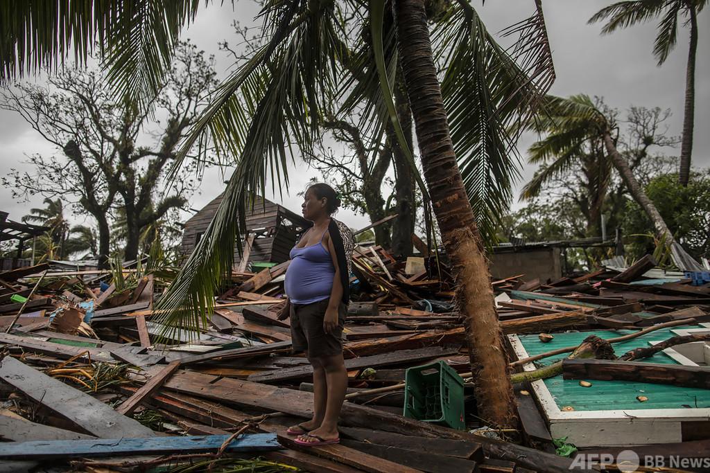 最強級ハリケーン「イオタ」が中米直撃、10人死亡 熱帯暴風雨に