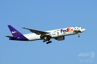 仏空港で米大使館宛て貨物から「爆弾」、フェデックス社員ら激怒