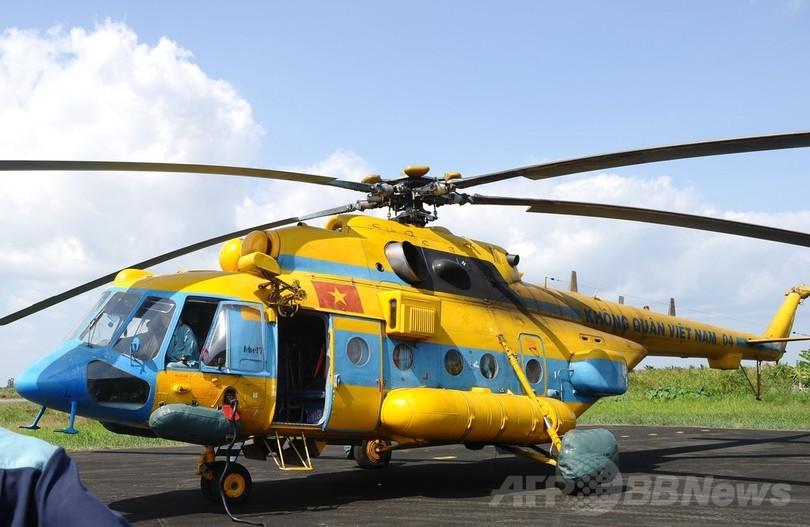 ベトナム首都で訓練中の軍ヘリが墜落、16人死亡