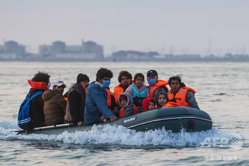「神と海とわれわれだけ」 危険な英仏海峡横断にかける移民