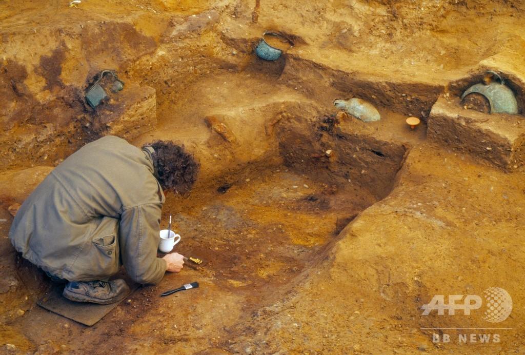 英古代王子の墓室、道路脇で発見 「ツタンカーメン王の墓」になぞらえる専門家も