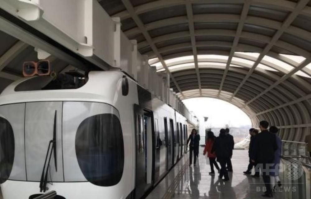 中国製のけん垂式モノレール「パンダ空中鉄道」、カンボジアで建設へ 成都に視察団訪問