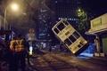 香港で路面電車が横転、14人負傷 運転士を逮捕