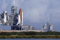 スペースシャトル2機、並んで発射台にお目見え