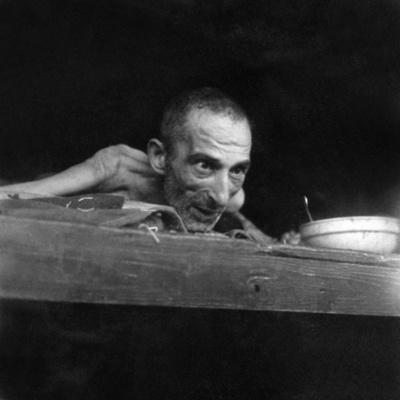 母を捜して…ナチス強制収容所の恐怖を捉えたAFPカメラマン