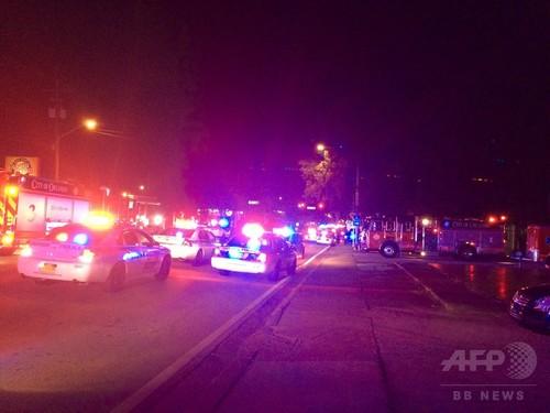 米ナイトクラブで発砲、「多数の犠牲者」 銃撃犯は死亡