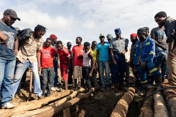 ジンバブエの金鉱浸水、24人の遺体収容 8人救出