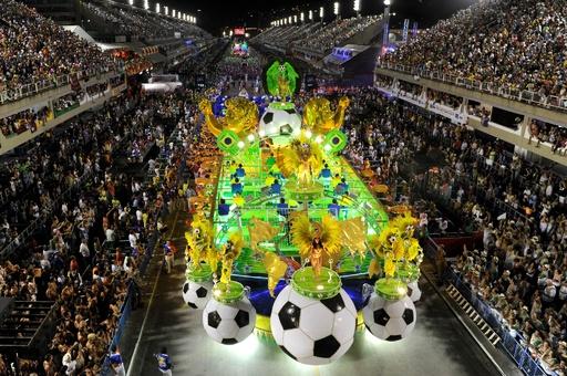 サッカーとサンバ ─ ブラジルで絡み合う二つの情熱