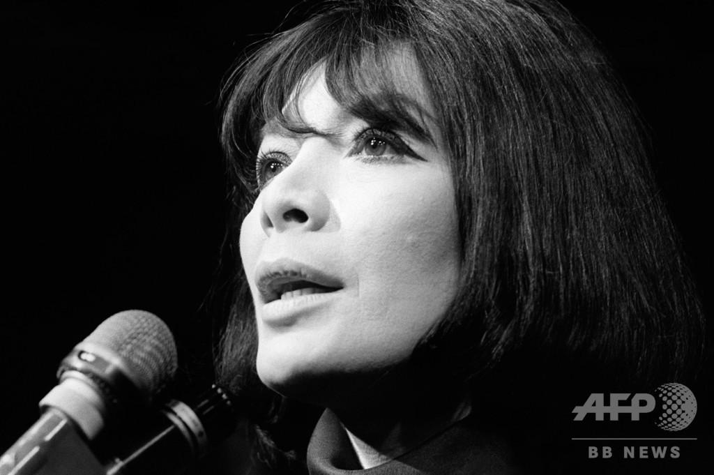 仏大物歌手ジュリエット・グレコさん死去 93歳