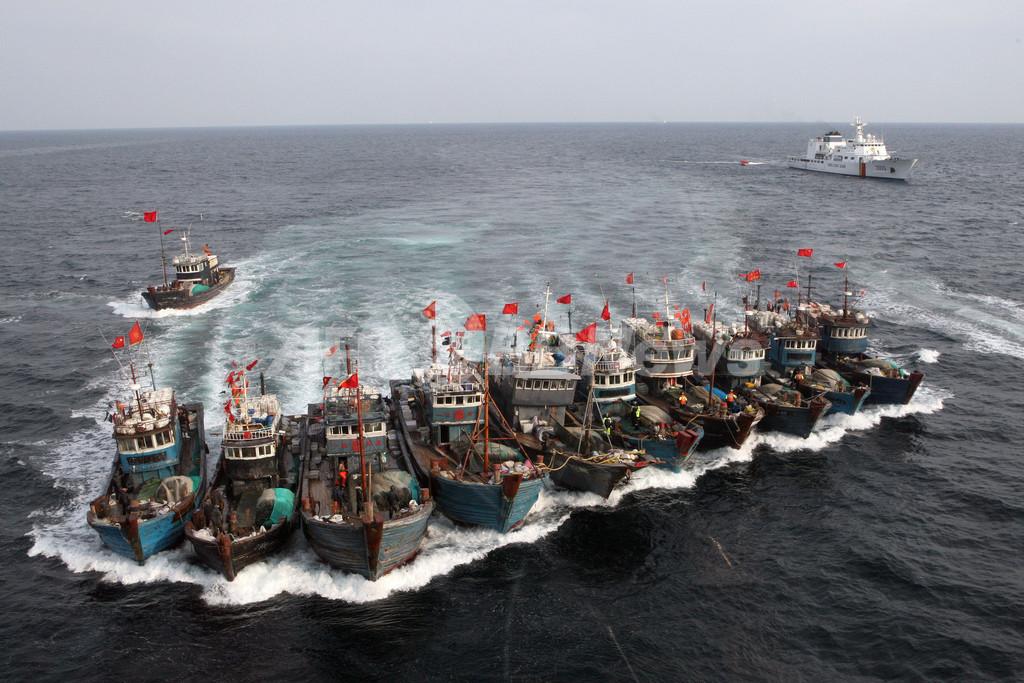 合体して逃走図る中国漁船団、韓国沖の黄海