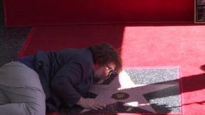 動画:俳優でコメディアンのJ・ブラック、ハリウッド殿堂入り