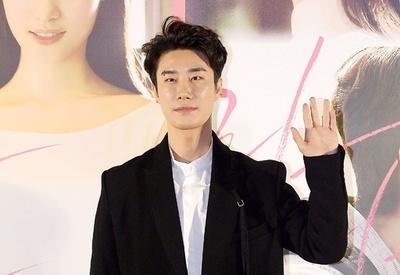 人気ラッパーのバック映像に「アイ・ラブ・盗撮」の文章、韓国TV局が謝罪