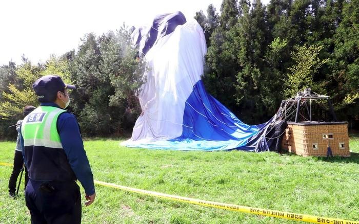 韓国・済州島で熱気球が墜落、1人死亡12人負傷