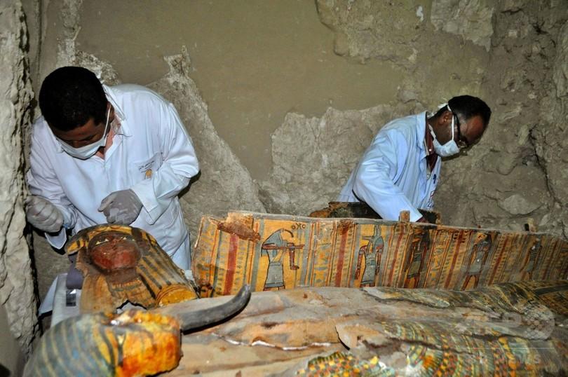 古代エジプトのミイラ8体、ルクソール近郊の墓で発掘