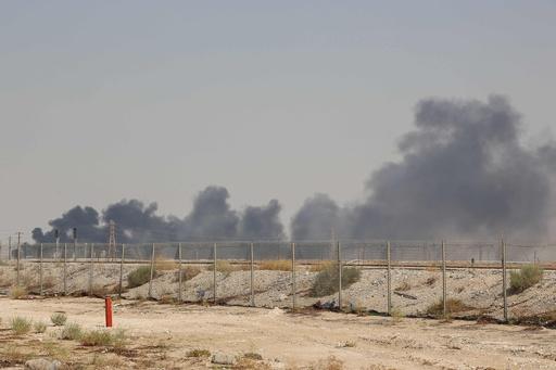サウジ、ドローン攻撃受け原油生産が約50%停止 日量570万バレル相当