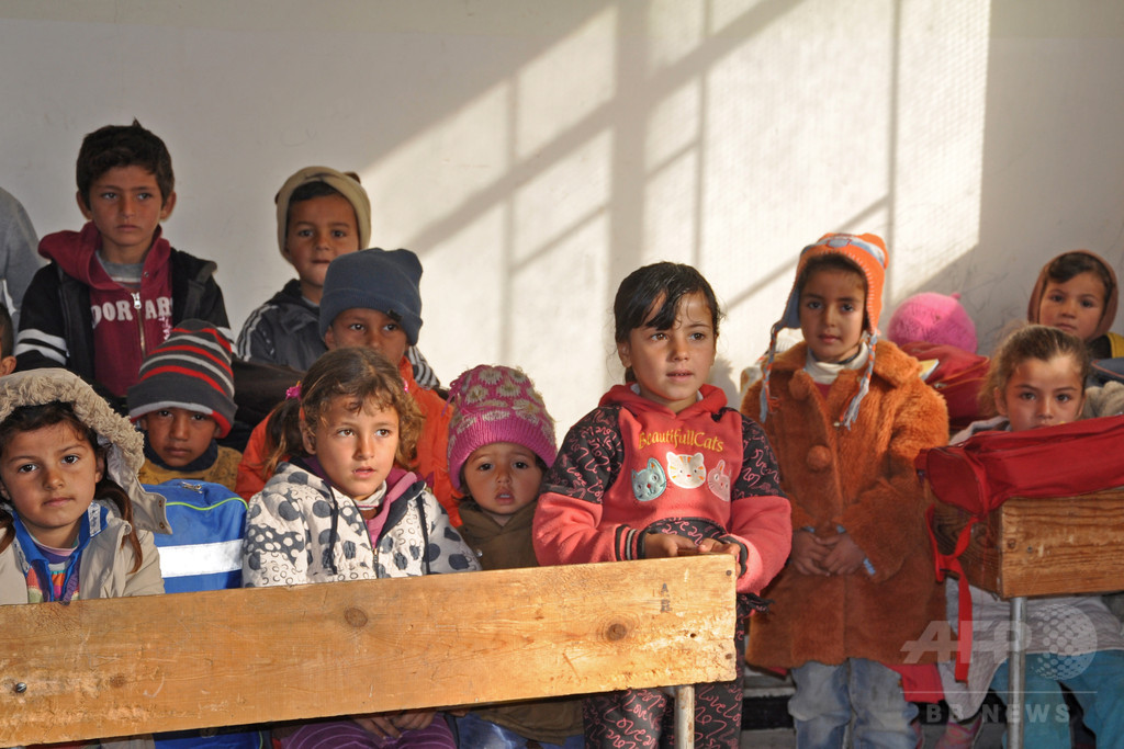 IS撤退のシリア東部で学校再開、児童や教師ら戻る