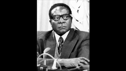 動画:ジンバブエのムガベ前大統領が死去、元ゲリラ闘士の「建国の父」
