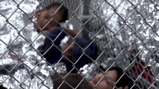 動画:米国境警備局トップが辞任表明 子どもの劣悪収容環境に批判 収容施設の内部映像