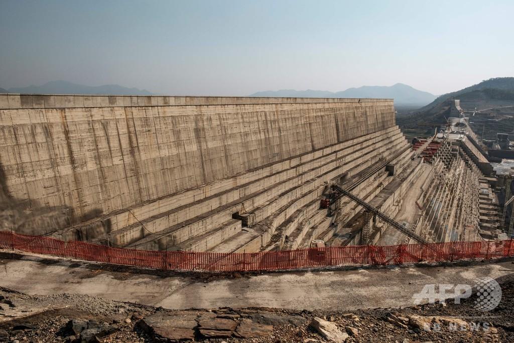ナイル川の水争い、エチオピアが巨大ダム貯水開始か 水位上昇で緊張高まる