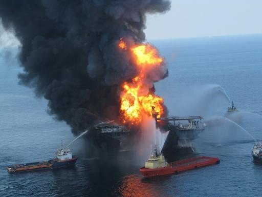 米原油流出事故、「ほぼ確実に防止できた」 大統領委